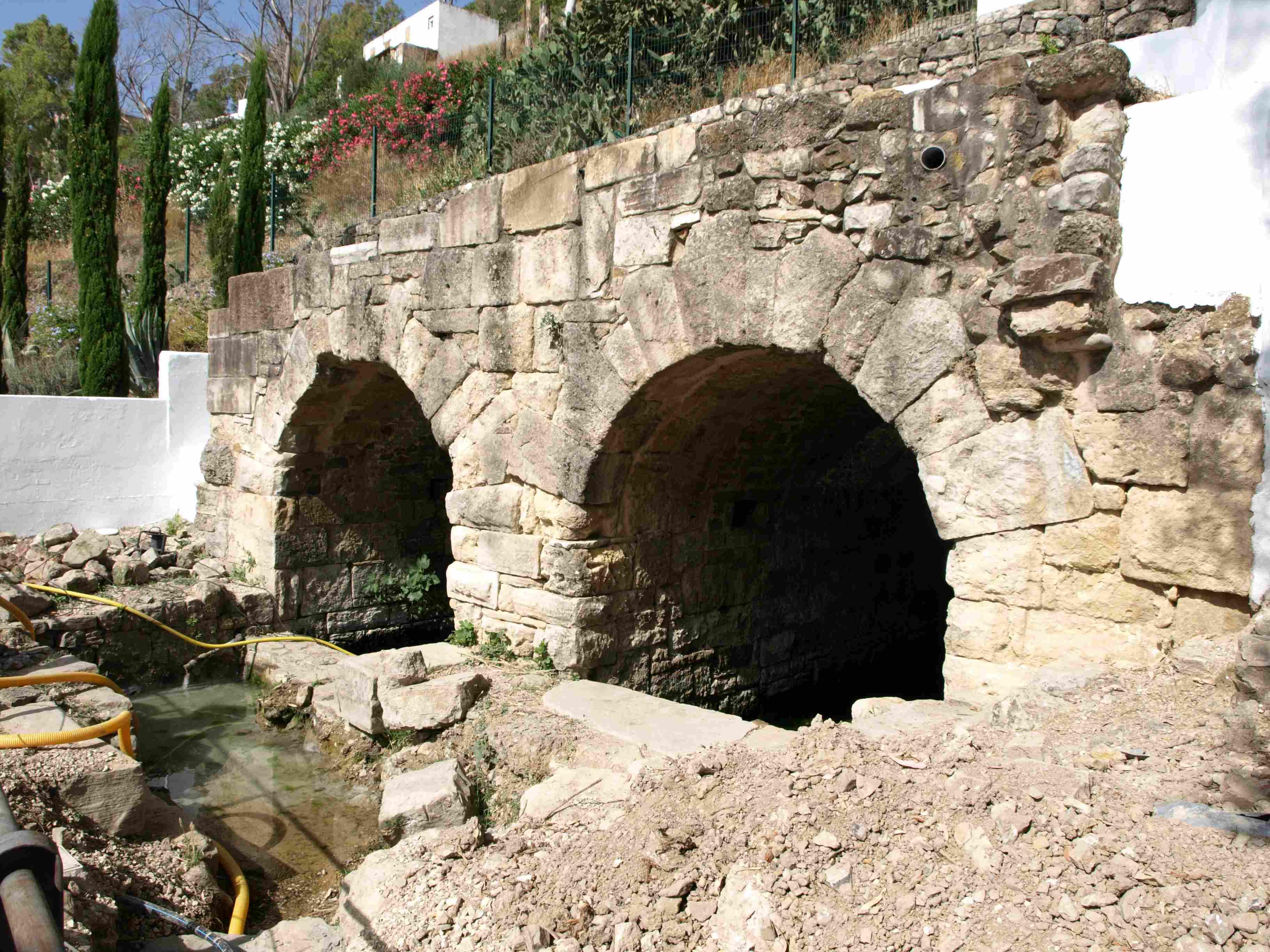 Depósitos Romanos y Fuente de la Salada