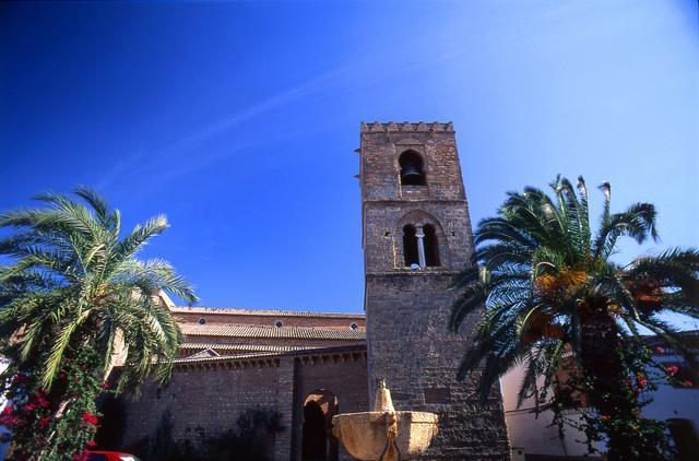 Iglesia de Santa María de la Granada