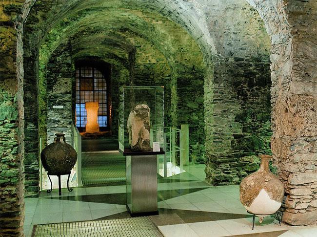 Museo Arqueológico Cueva de Siete Palacios