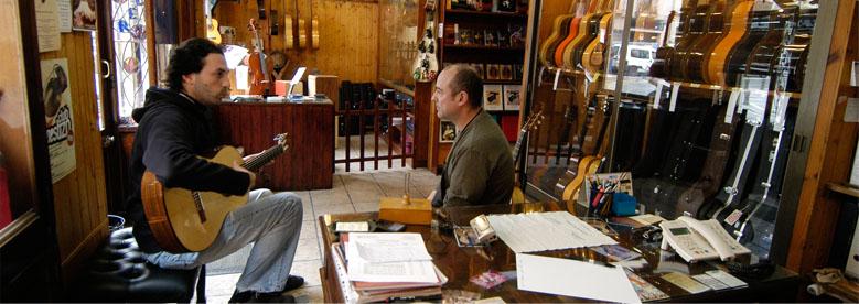 Guitarrero-Luthier Daniel Gil de Avalle