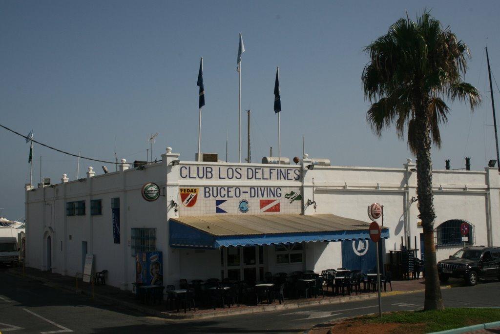 Centro de Buceo Los Delfines