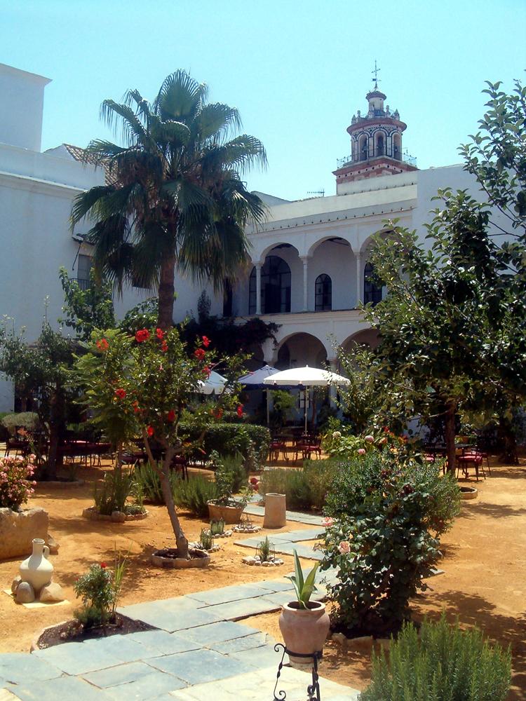 Palacio de los Guzmanes - Fundación Casa Medina Sidonia