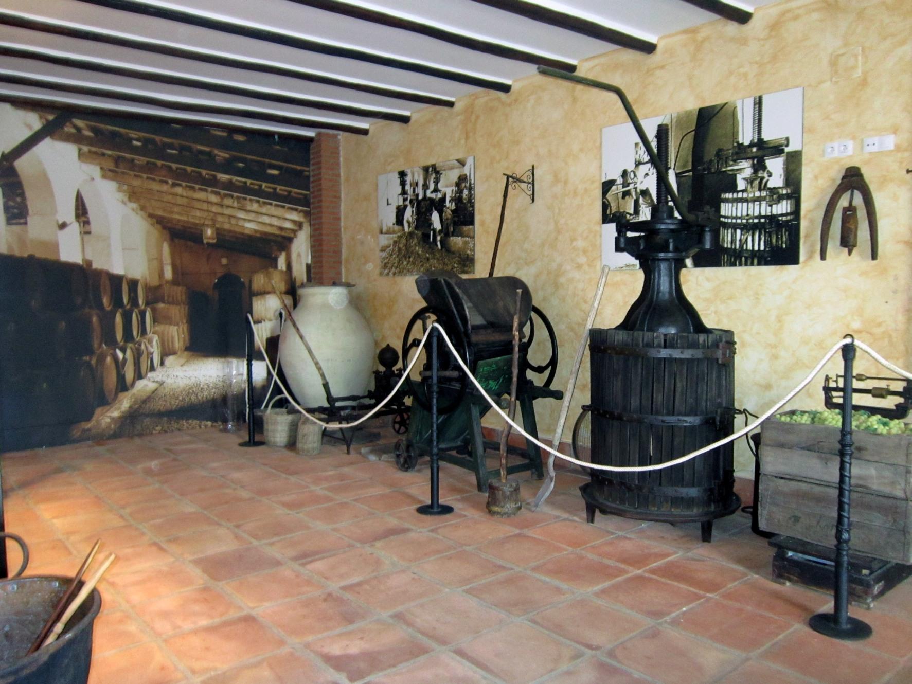 Obrador y Museo del Mosto Castillo de Moriles