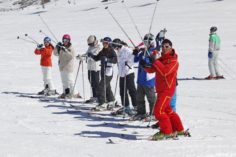 Escuela Oficial de Esquí
