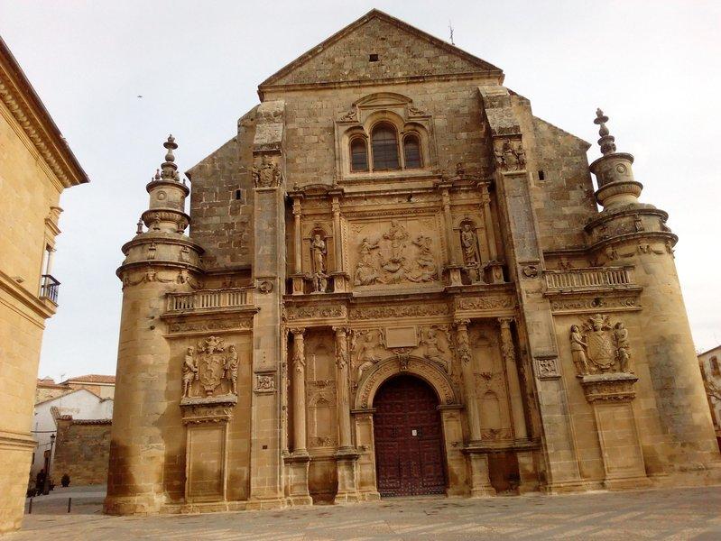 Sacra Capilla Funeraria de El Salvador del Mundo