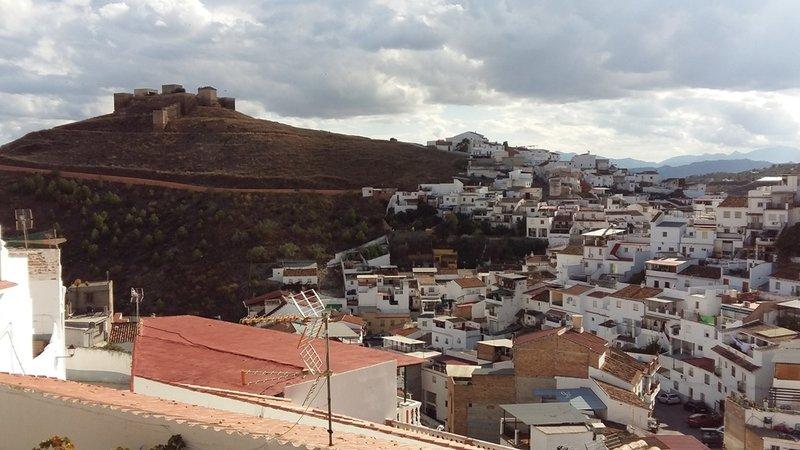 Álora, vista del Castillo