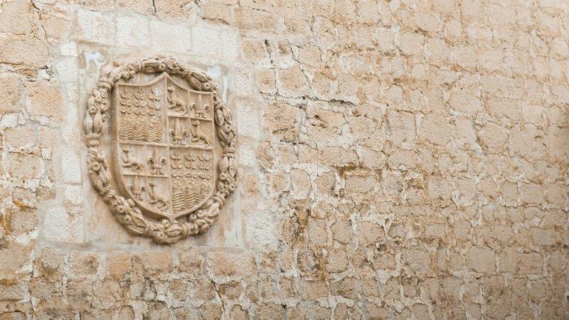 Escudo familiar, Castillo de Vélez-Blanco, Almería