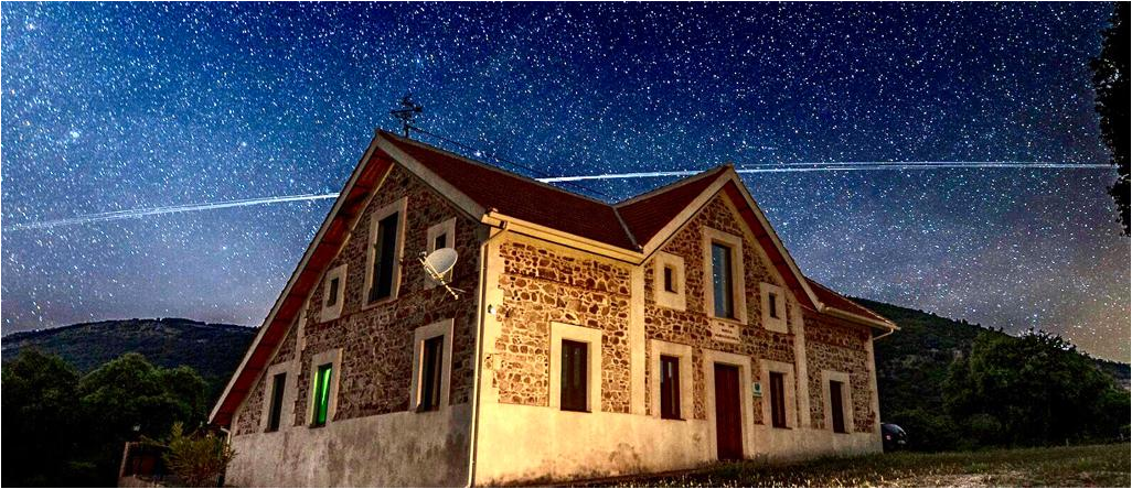 Centro de Observación Astronómica en Dehesa Navalacedra