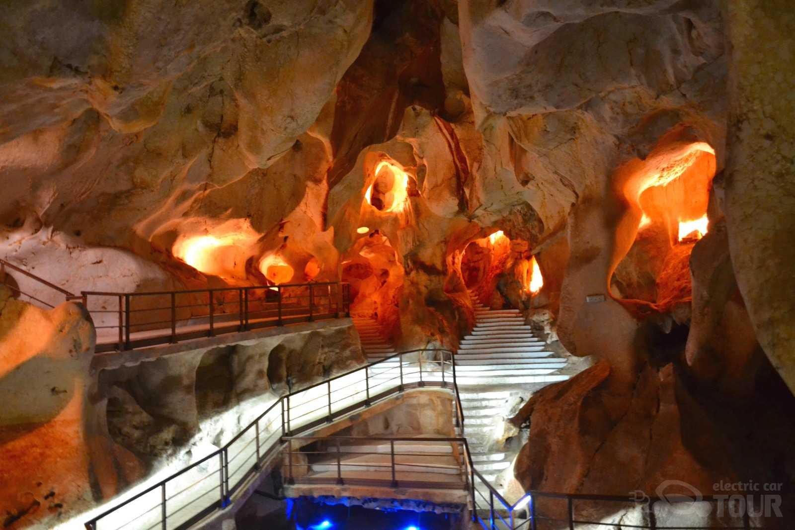 Hamelin: Tour Privado Málaga-Cueva del Tesoro - Actividad  (Málaga)