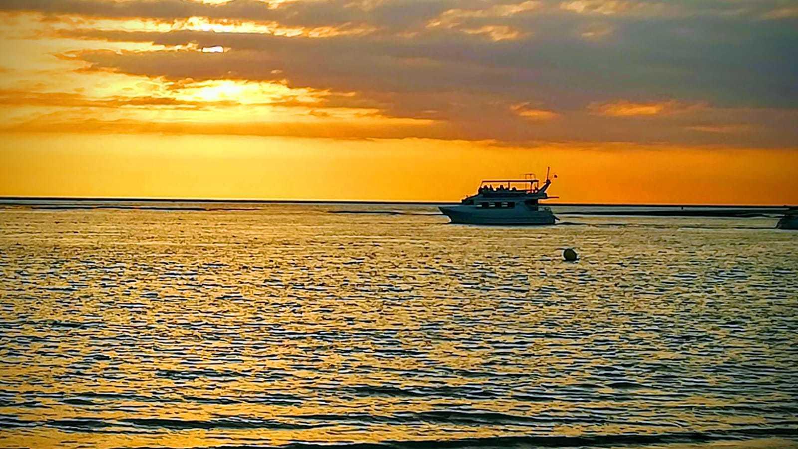Puesta de Sol en Catamarán