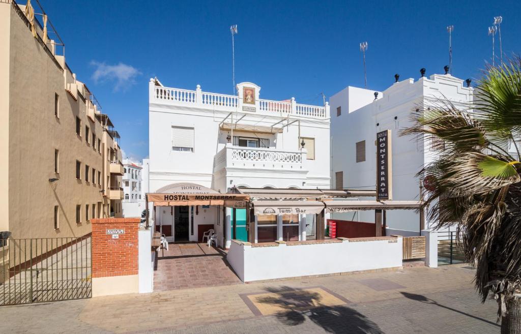 Hostal Montserrat Casa del Mar