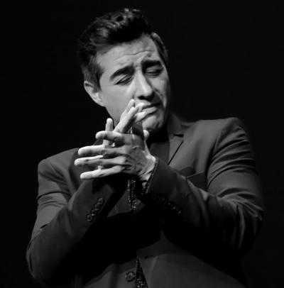 Juan Valderrama en concierto en el Teatro Principal de Andújar
