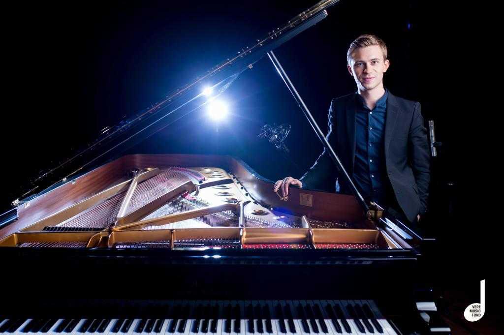 Dmytro choni en concierto