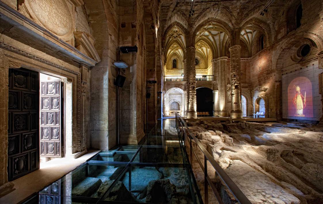 Interior Iglesia Mayor Abacial