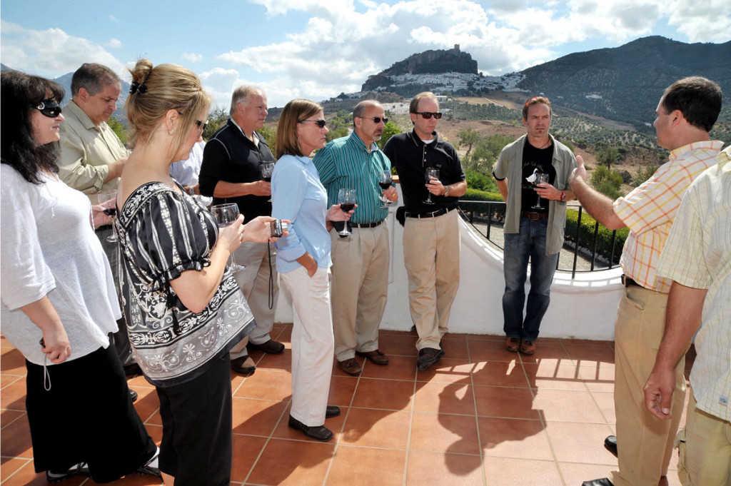 Conoce el Mundo del Aceite de Oliva de montaña en la Almazara el Manzanillo.