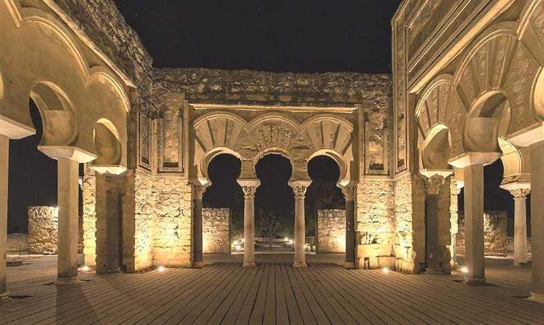 Hamelin: Visita Nocturna a Medina Azahara - Actividad  (Córdoba)