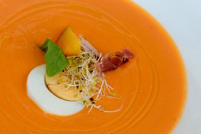 Gastronomía típica andaluza que no debe faltar en tu plato