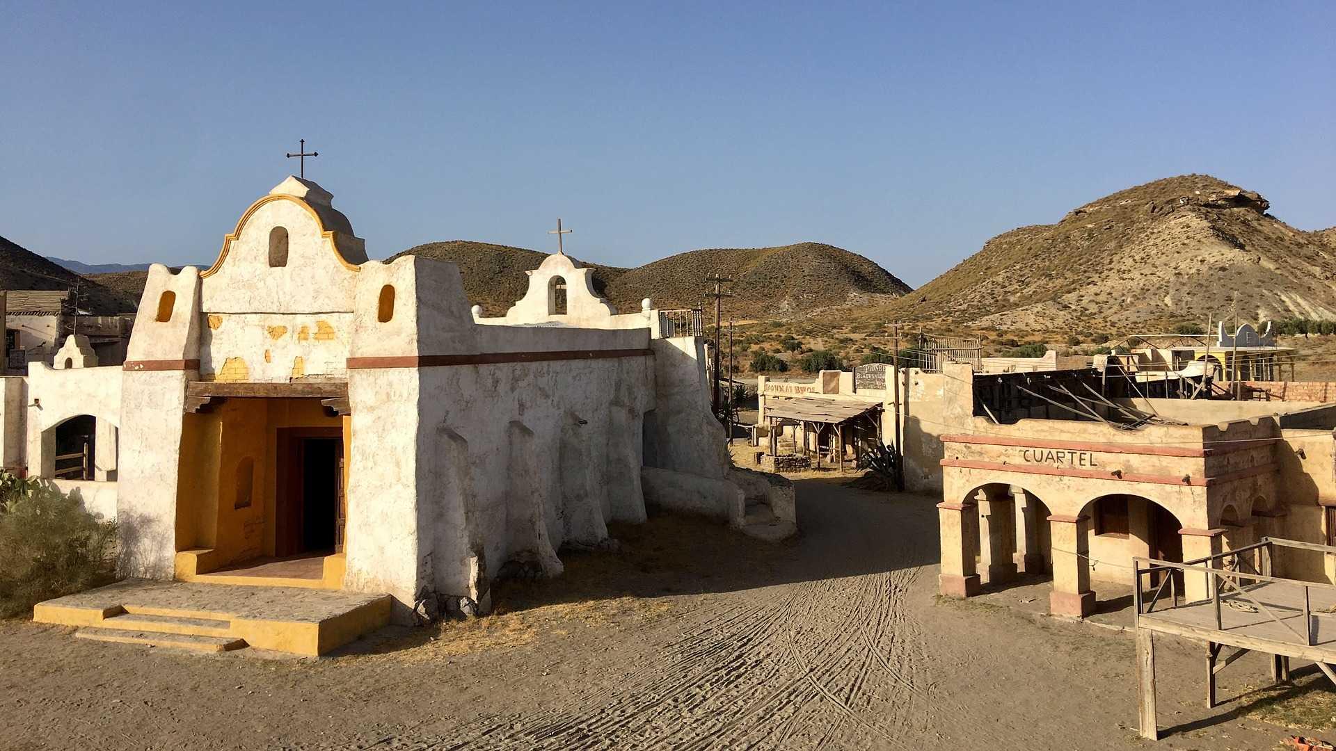 Una excursión de cine a Tabernas desde la ciudad de Almería