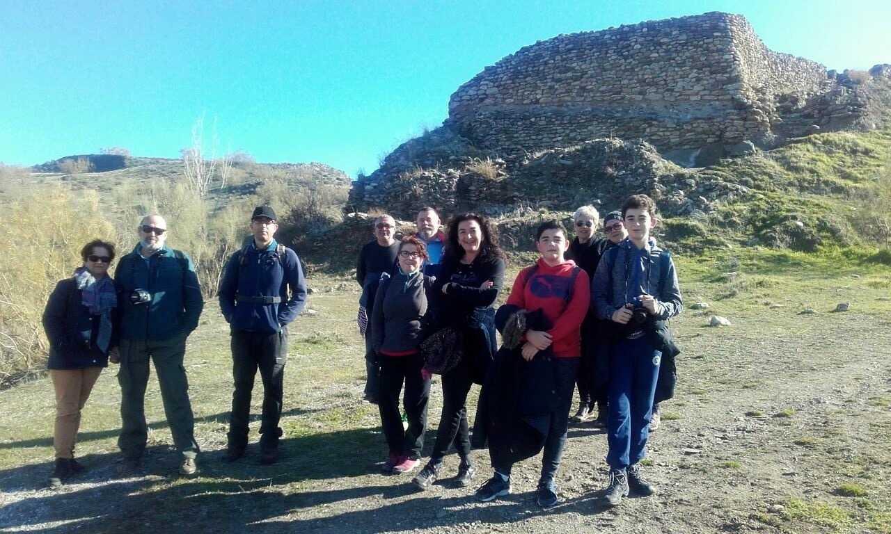 Sentier vers le site du Cerro de la Encina
