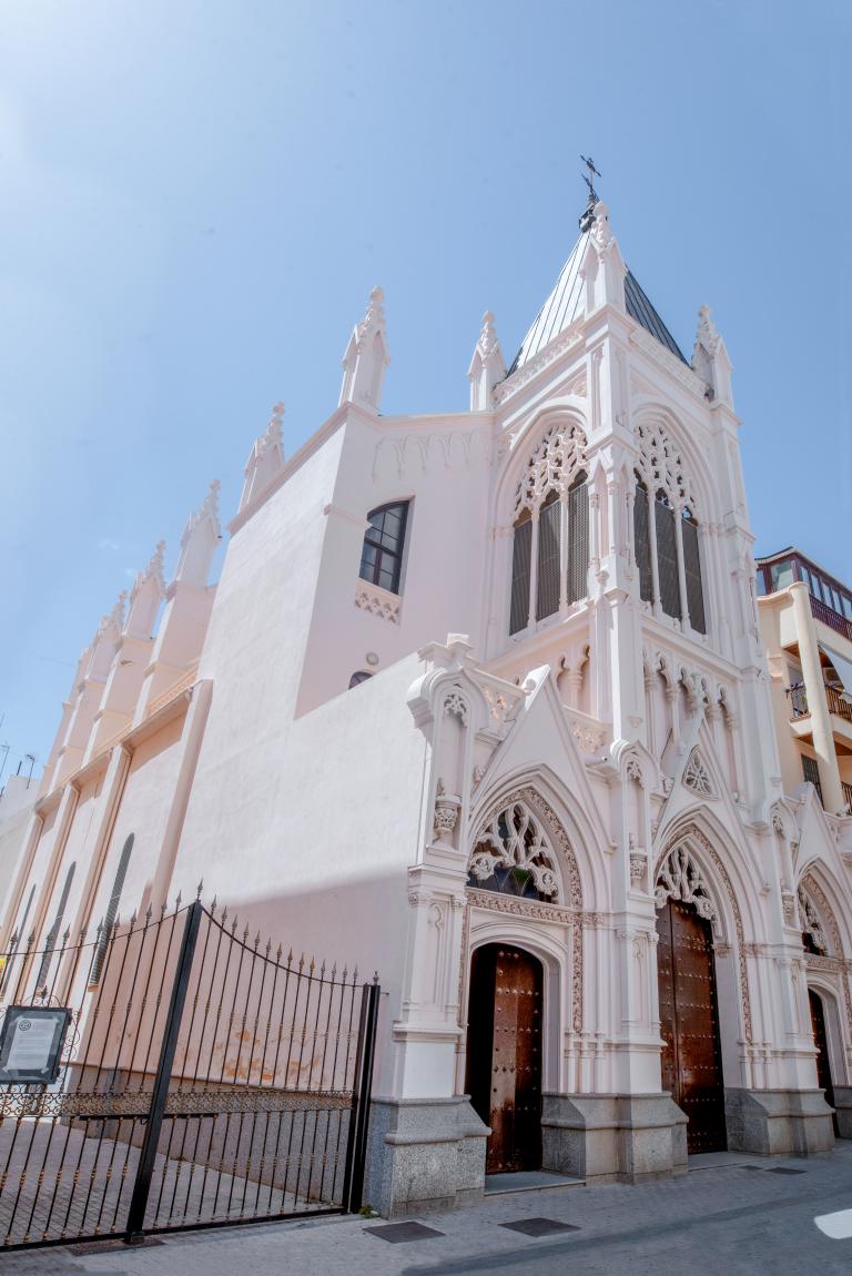 Iglesia de la Milagrosa / Nuestra Señora Estrella del Mar