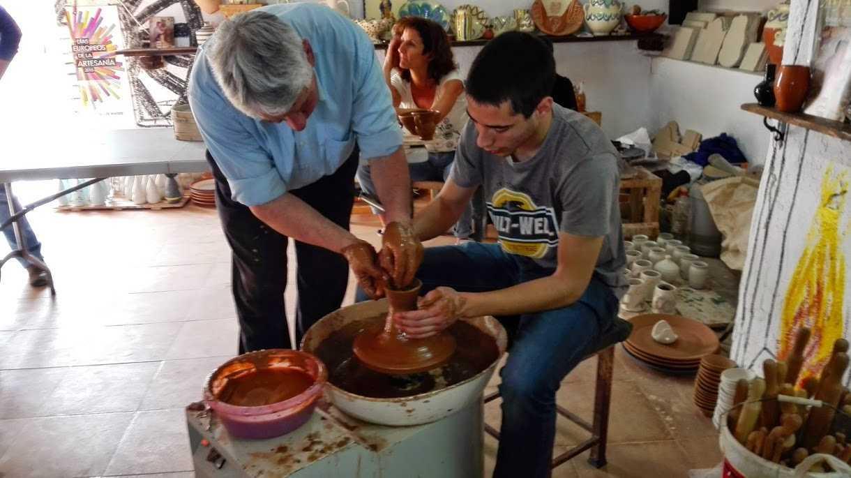 Visita Santuario del Saliente, Pueblo de Albox, Alfarería y cata de Dulces Típicos