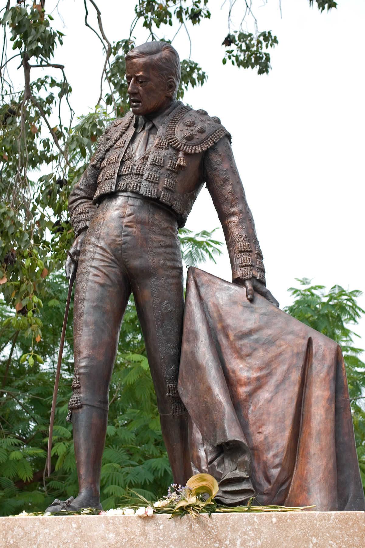 Monumento a Manolo Vázquez