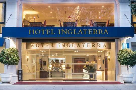 Escapada Romántica en el Hotel Inglaterra de Sevilla