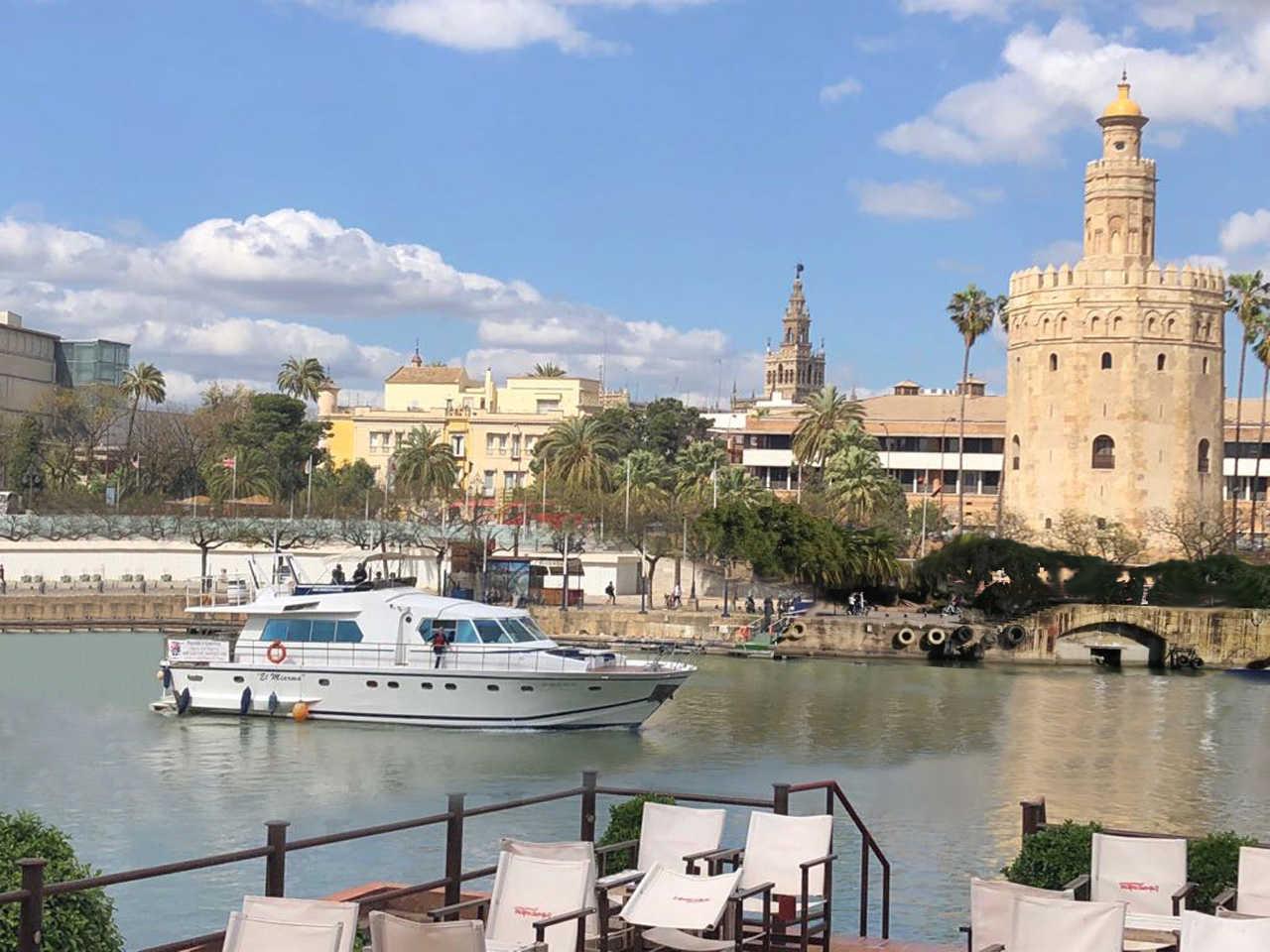 Crucero en exclusivo yate por el Guadalquivir