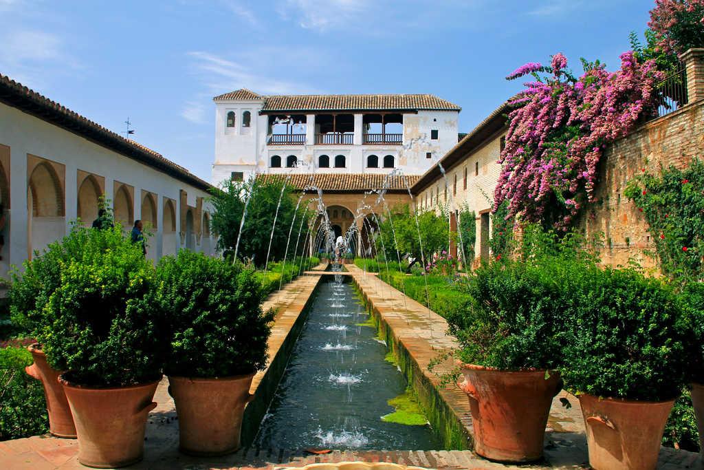 Hamelin: Tour a Granada desde Sevilla con minivan y conductor privado - Actividad  (Granada)