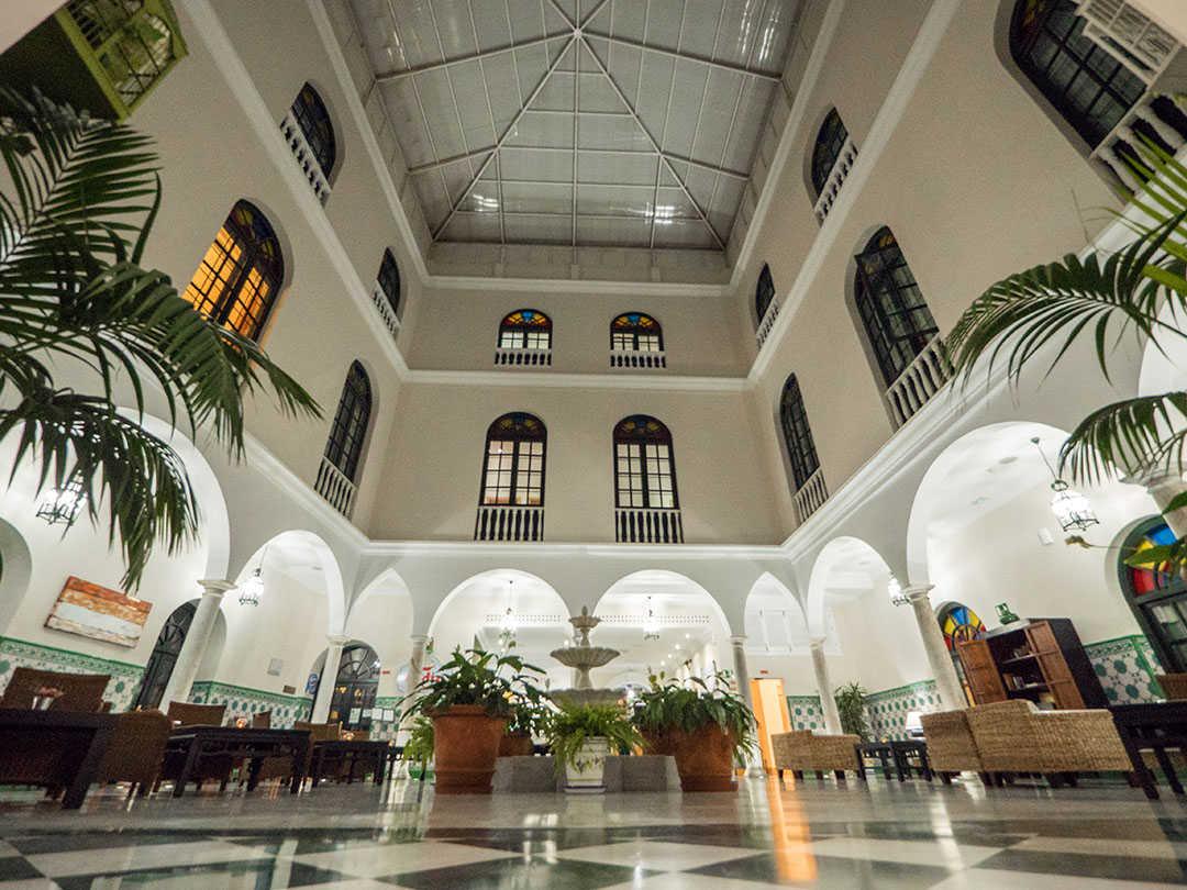 Descubra Cádiz desde el centro, Senator Cádiz Spa Hotel a un precio especial CODIGO PROMO: DESCUBRACADIZ
