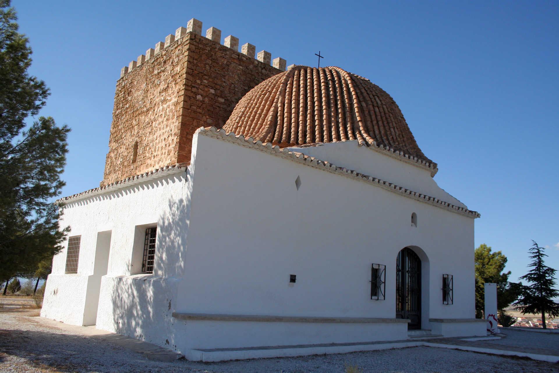 Torreón Árabe y Ermita Virgen de la Cabeza