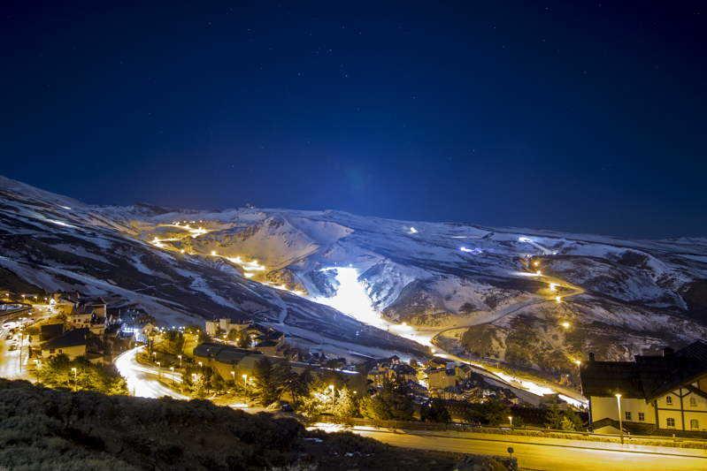 Sierra Nevada. Naturaleza y cursos de esquí
