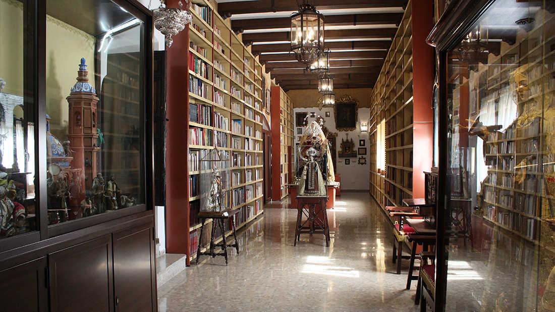 Biblioteca y Museo Mariano