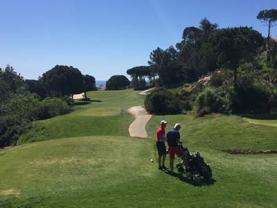 5 campos de golf en Andalucía con vistas al mar